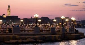 "Bari si veste di bianco per una sera. A Piazza Diaz la ""southern version"" del flash mob nato a Parigi"
