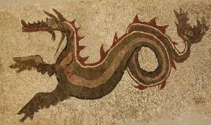 Calabria - Il drakon di Kaulonia, l'antica città magno-greca sul Mar Jonio di Monasterace (Reggio Calabria). E' il drago a mosaico scoperto negli anni '60 da Alfonso De Franciscis e oggi custodito nel Museo Archeologico di Monasterace