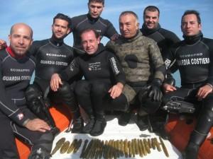 La squadra di sommozzatori che ha effettuato il recupero, Gela
