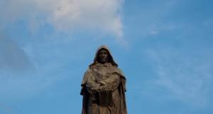 In morte di Giordano Bruno, libero pensatore mandato al rogo quattro secoli fa