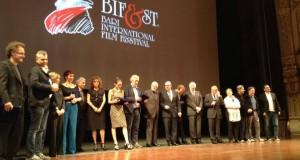 A Bari chiude il Bif&st e guarda ai prossimi tre anni. Cinque i premi al film di Paolo Virzi. Per il cinema internazionale vince il georgiano Zaza Urushadze