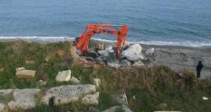Avviati i lavori per proteggere il parco archeologico di Kaulonia. L'iniziativa è della provincia di Reggio. Della protezione Civile neppure l'ombra