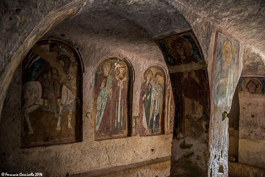 Puglia – Scorcio della chiesa ipogea di S. Nicola e del suo ricco ciclo di affreschi, IX-XII sec. – Ph. © Ferruccio Cornicello