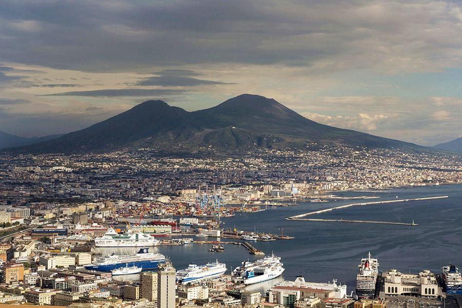 Campania – Panorama invernale di Napoli – Ph. EU Social | CCBY-ND2.0