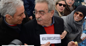Capo Colonna. Il clamoroso dietrofront del sindaco Vallone: «Non mi piace…è uno scempio!»