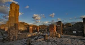 Scandalo a Pompei. Un intero quartiere dell'antica città finito sotto un centro commerciale, fra l'indifferenza delle autorità