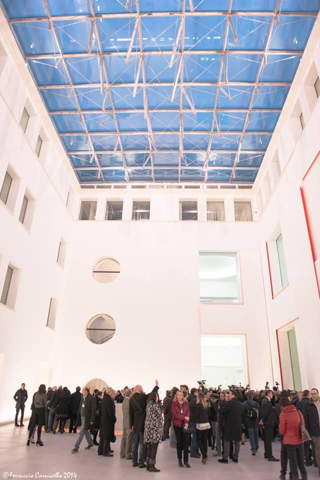 Calabria - L'atrio del Museo Archeologico di Reggio Calabria, nel giorno della riesposizione dei bronzi di Riace - Ph. Ferruccio Cornicello