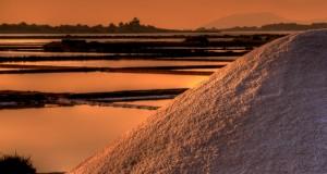 Saline di Marsala al tramonto, scatto del siciliano Davide Salvato