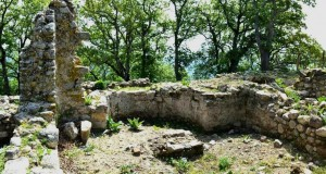 Realtà di una leggenda: ritrovato in Calabria il monastero di S. Teodoro. Vi si rifugiava la gente in fuga dai corsari turchi