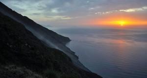 Racconta il tuo SUD | Tramonto sulla Sciara del Fuoco, scatto segnalato dalla siciliana Lucrezia Misilmeri