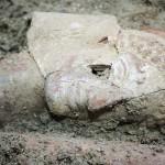 Straordinaria scoperta a Taranto. Ritrovata intatta una tomba greca del VI sec. a.C. : appartenne a una sacerdotessa o a una nobildonna
