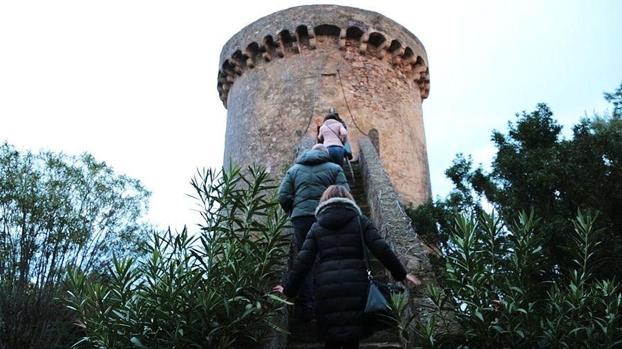 Calabria - Invasori Digitali sulla Torre di Albidona, XV sec. Trebisacce (Cosenza) - Ph. Francesco Delia