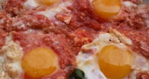 Le uova al pomodoro